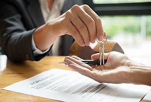 執行業務者出售專供使用之固定資產免營業稅